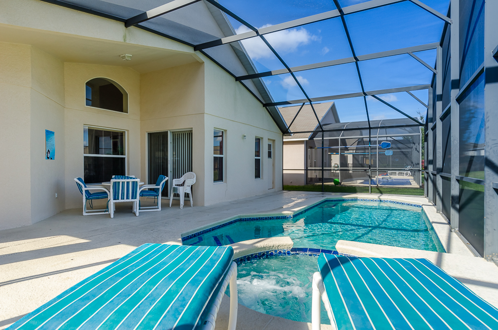 Beautiful 4 Bed Pool Spa and Games Room-65539