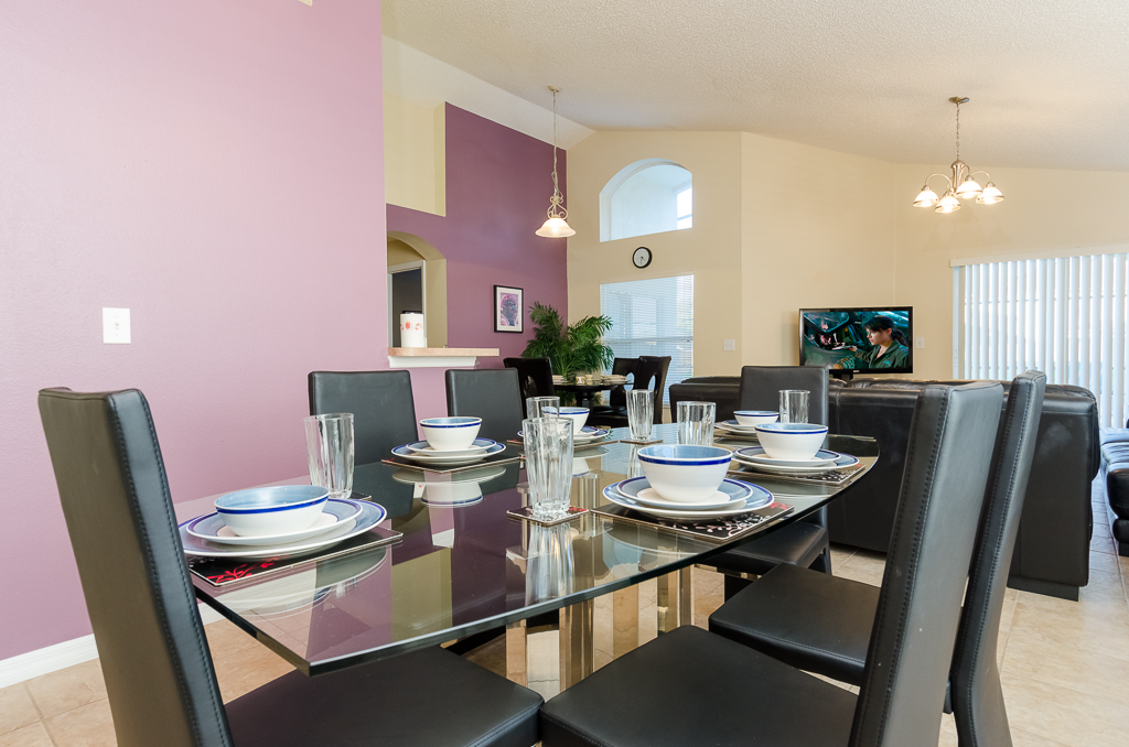 Beautiful 4 Bed Pool Spa and Games Room-65522