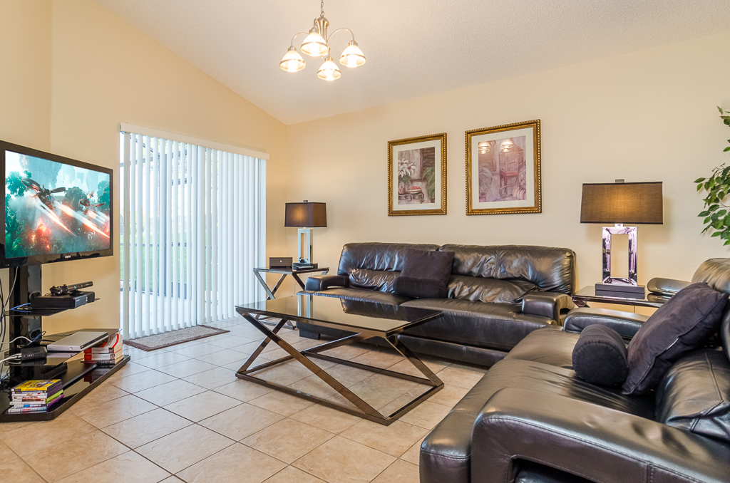 Beautiful 4 Bed Pool Spa and Games Room-65524