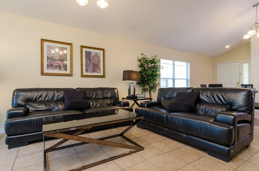 Beautiful 4 Bed Pool Spa and Games Room-65525