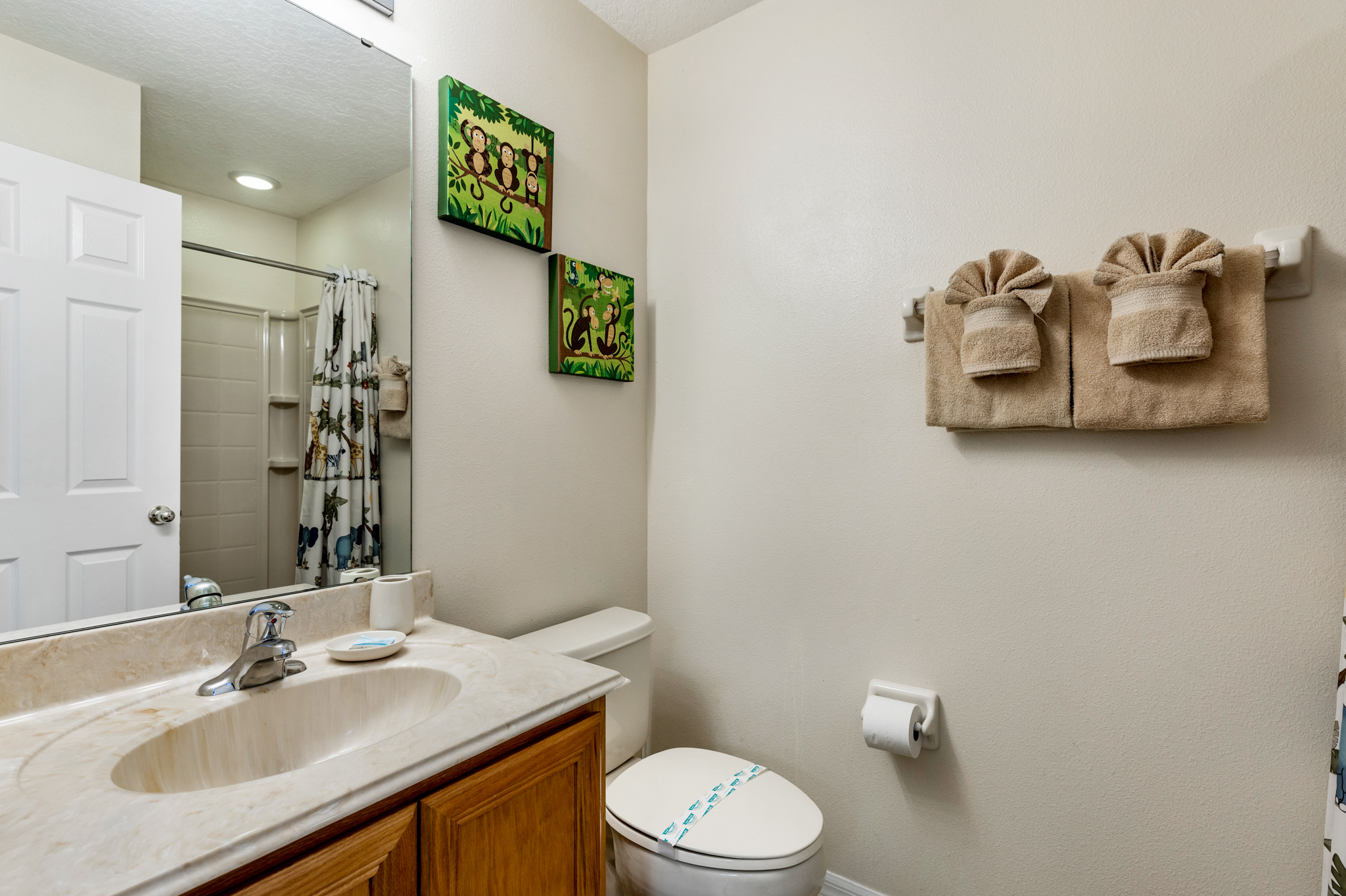 Perfect Home - Perfect Location!-128803