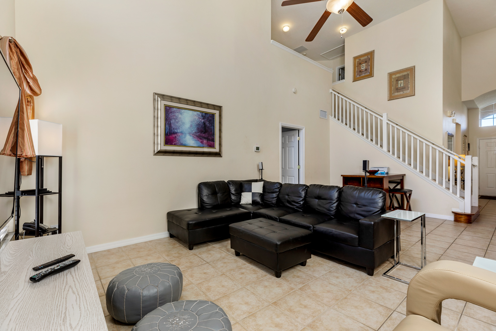 Perfect Home - Perfect Location!-128808