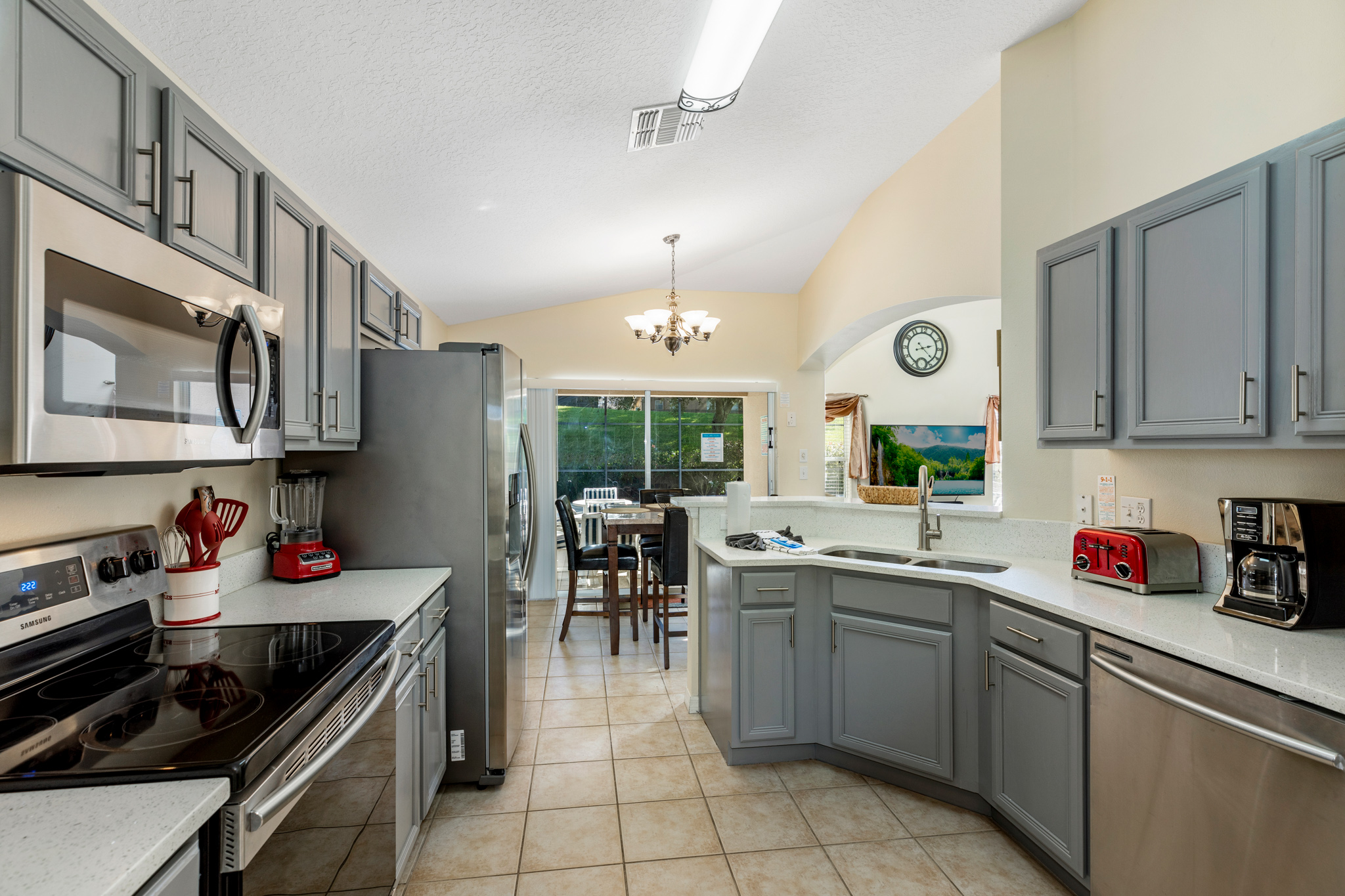 Perfect Home - Perfect Location!-128811