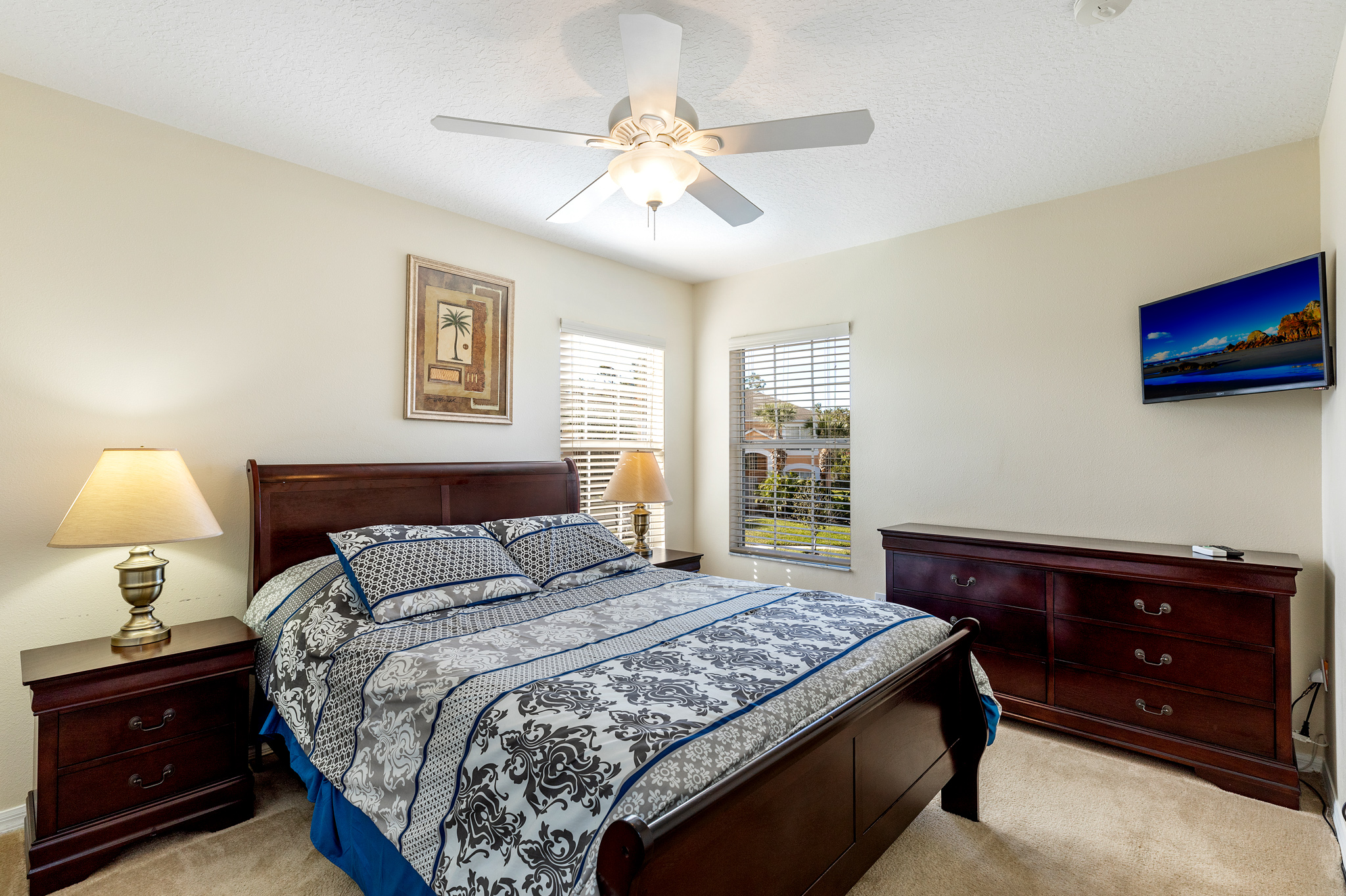 Perfect Home - Perfect Location!-128820
