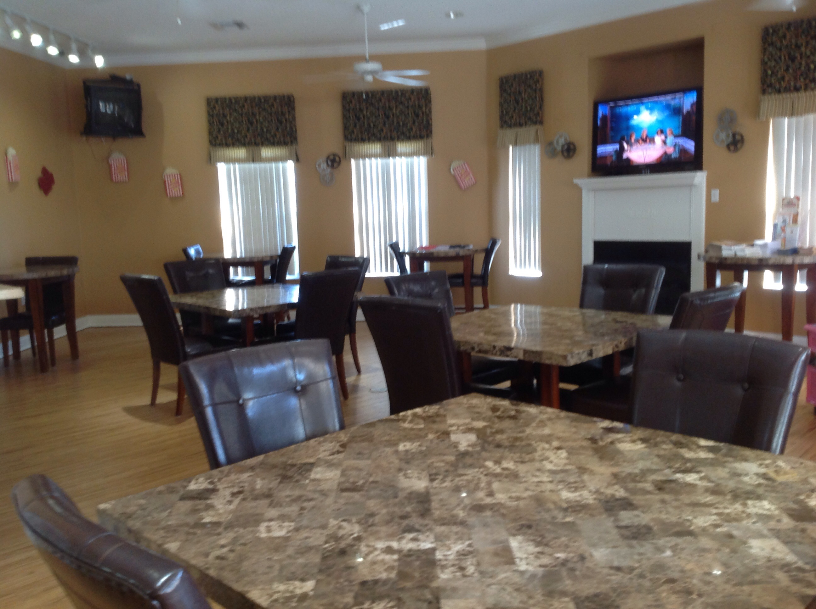 Beautifully Furnished Town Home-75710