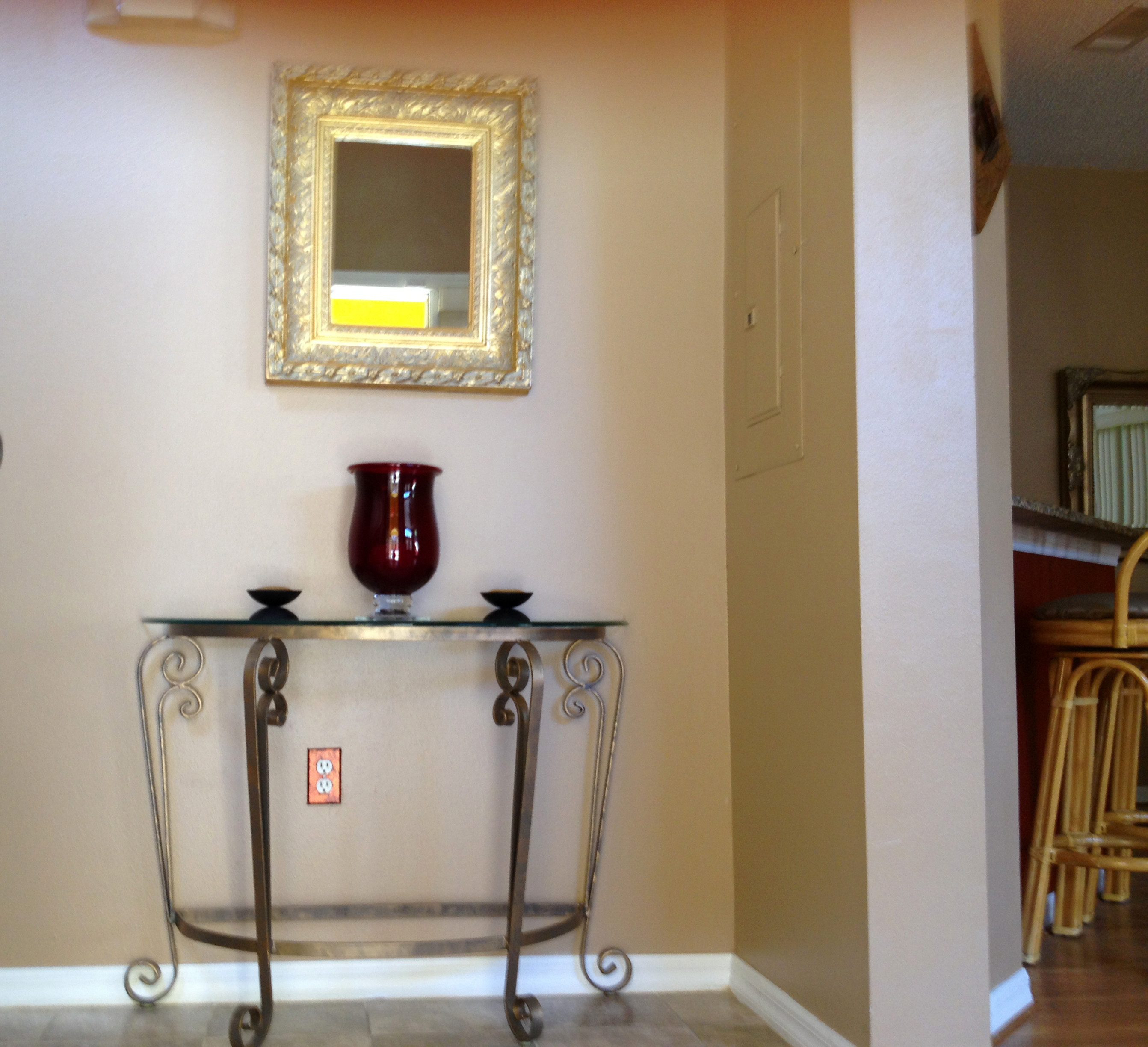 Beautifully Furnished Town Home-37913
