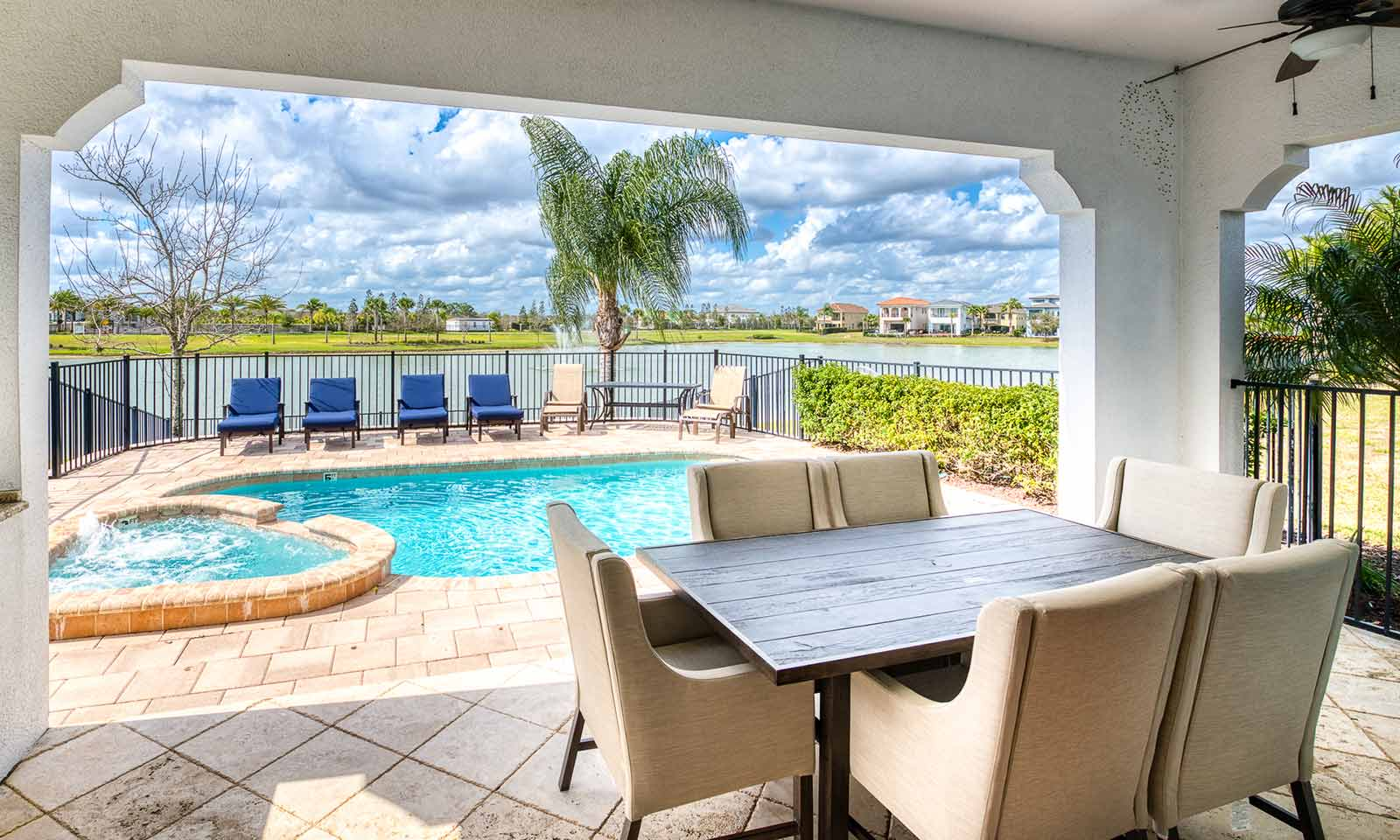 The Water-View Retreat-179501