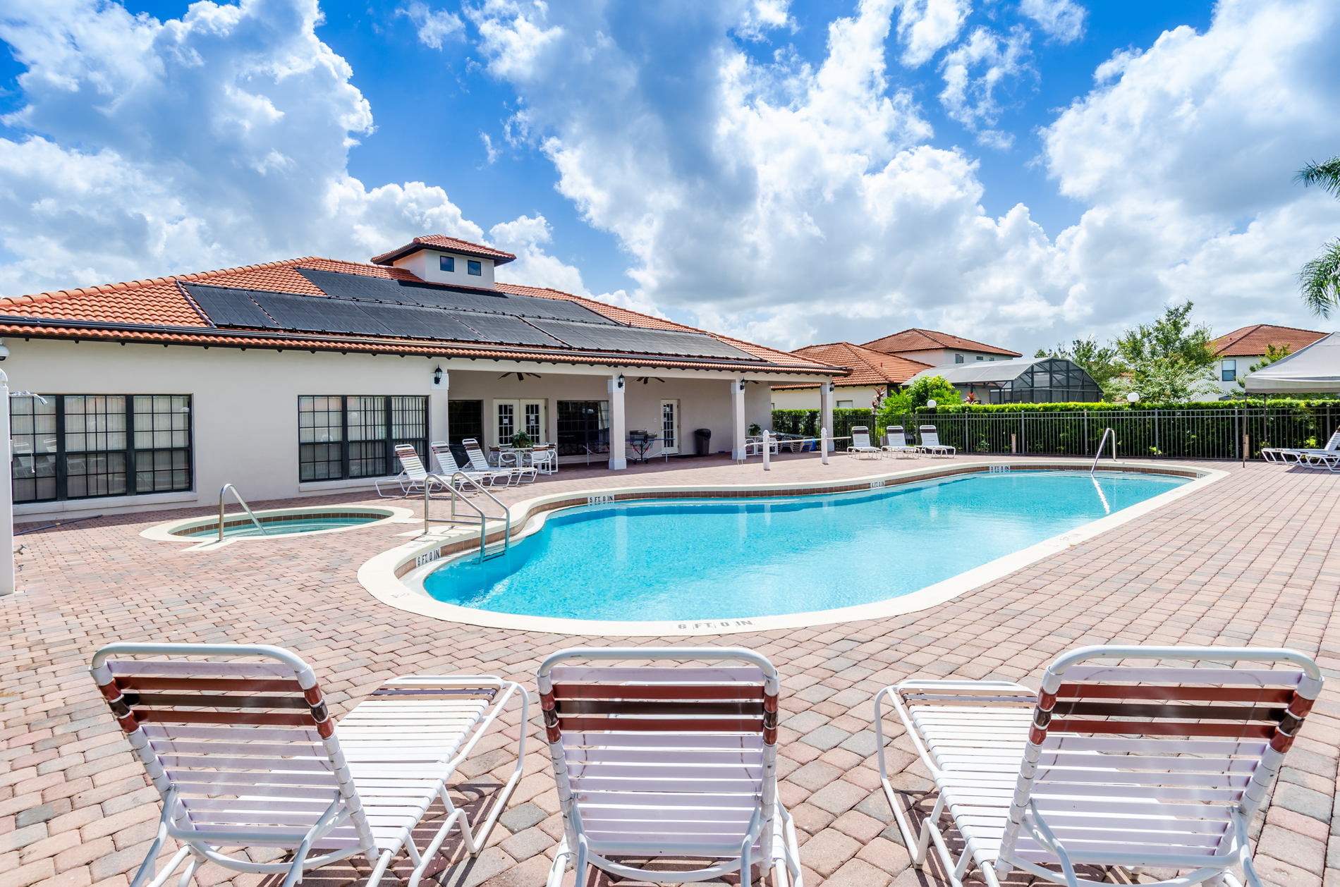 Stunning High Grove Pool Home 5 Bed-70539