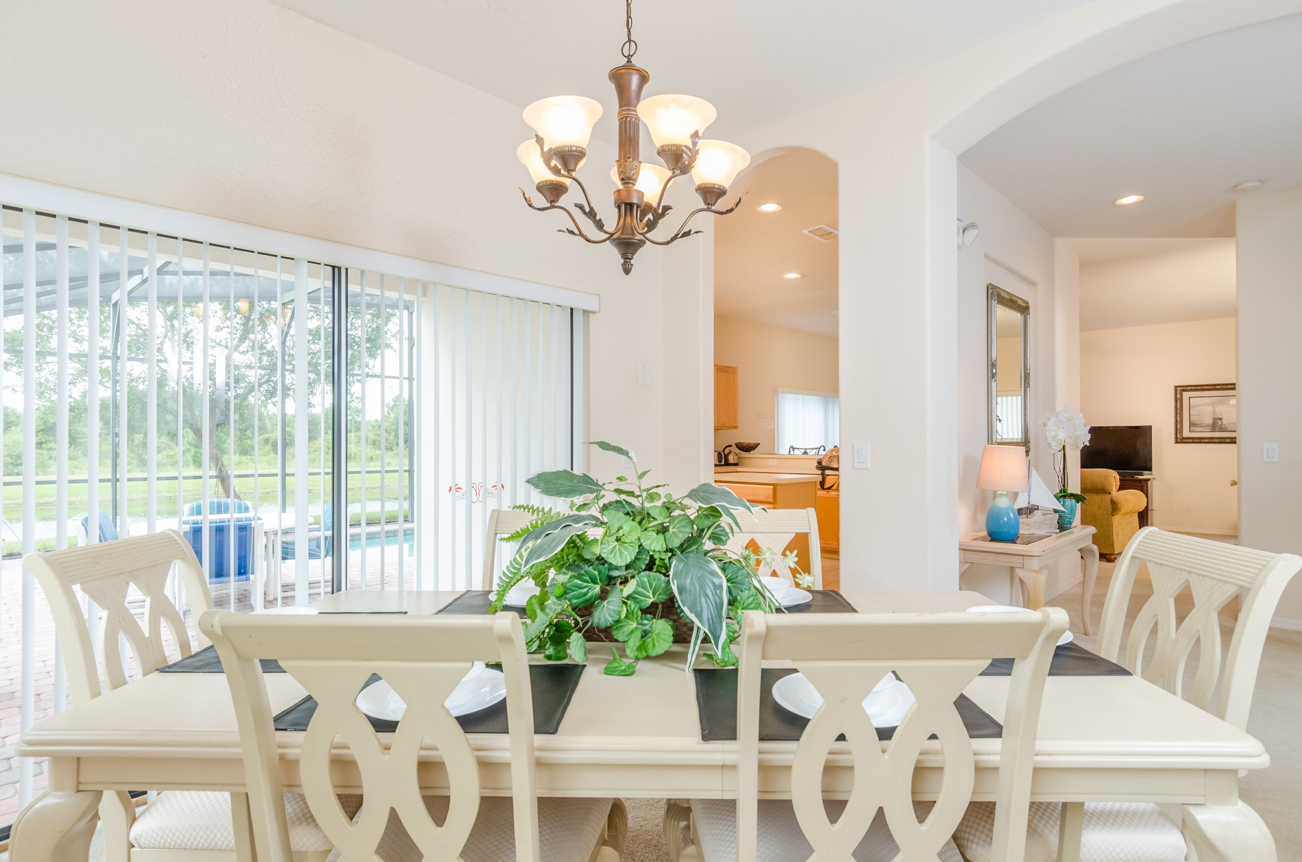 Stunning High Grove Pool Home 5 Bed-70540