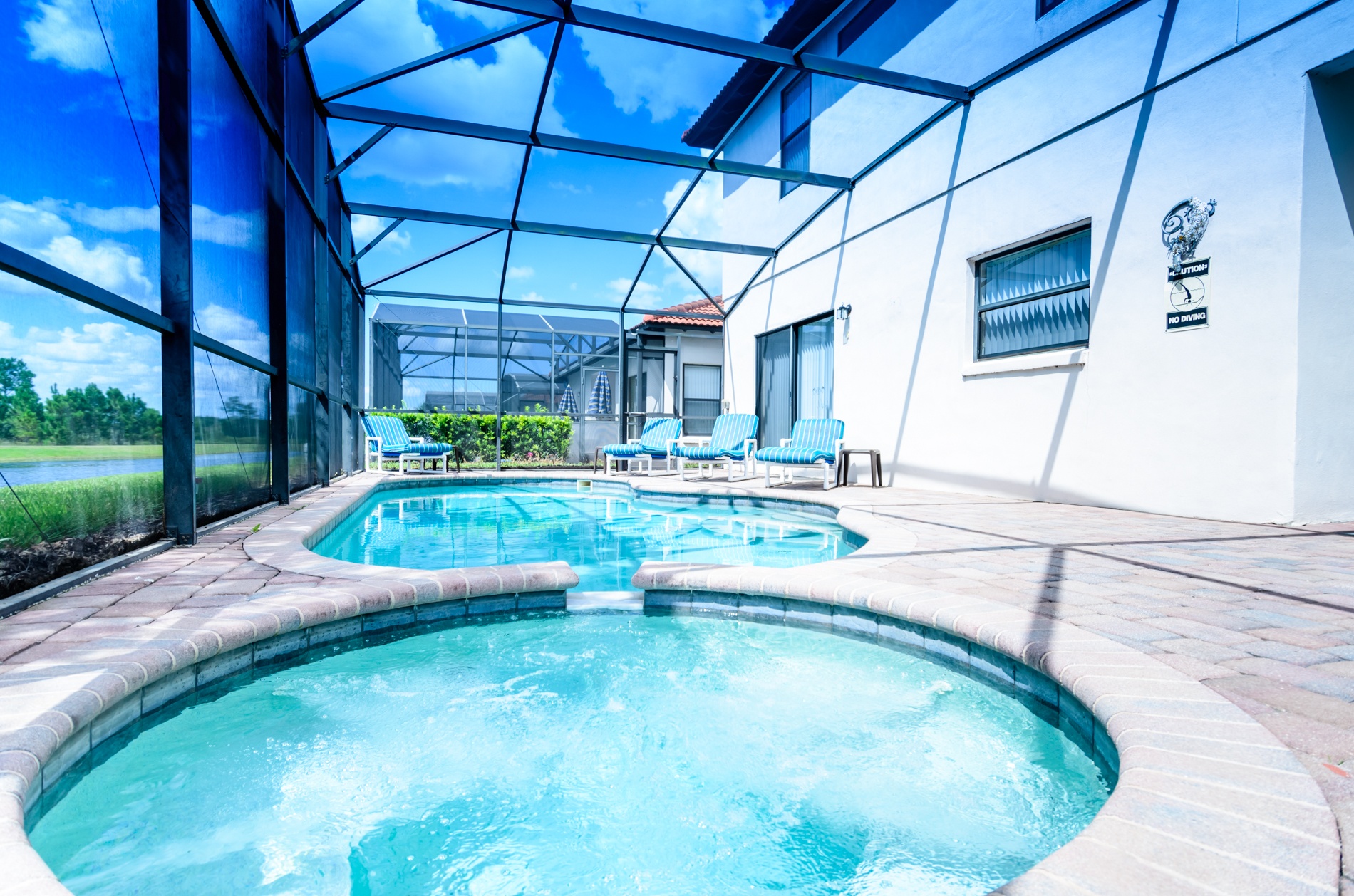 Stunning High Grove Pool Home 5 Bed-70550