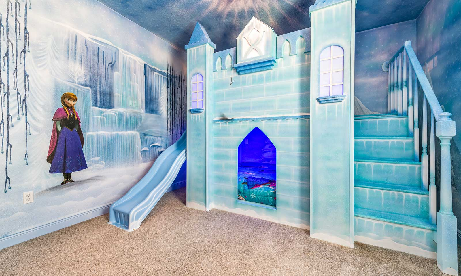 The Icy Themed Villa-181183