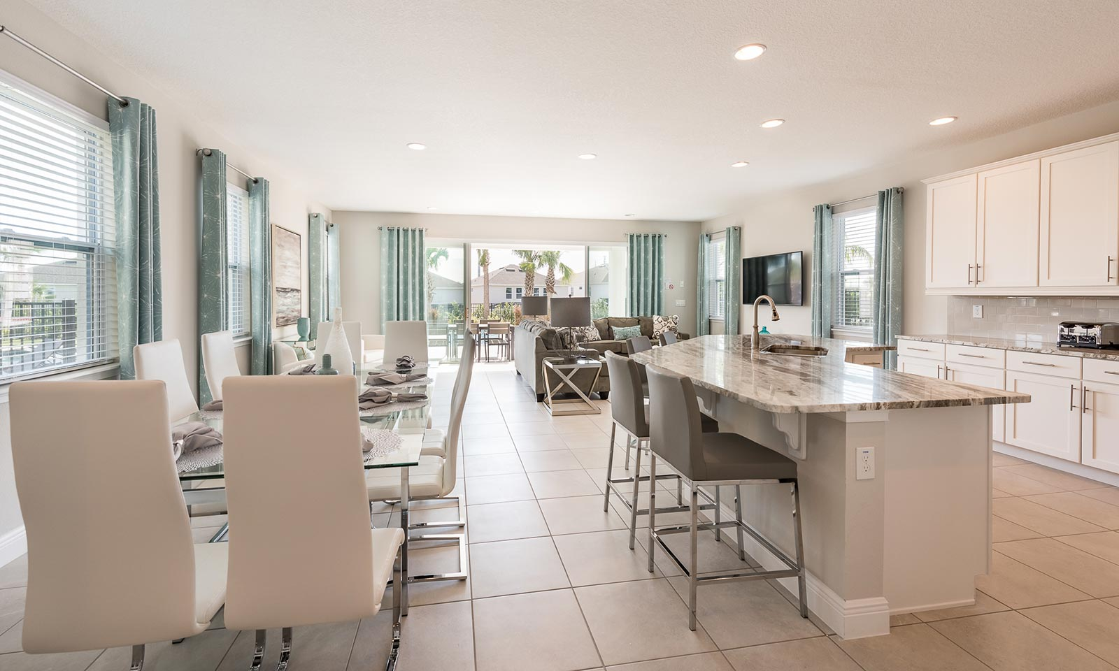The Incredibly Airy Abode-181205