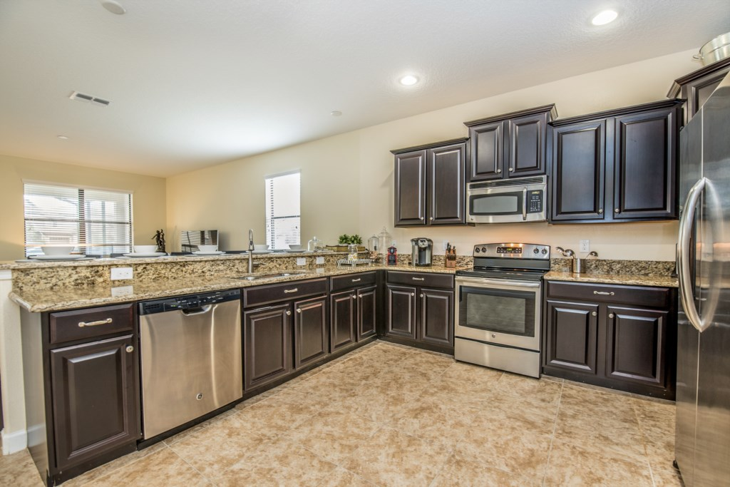Amazing 8 bed 5 bath Champions Gate home.-130454