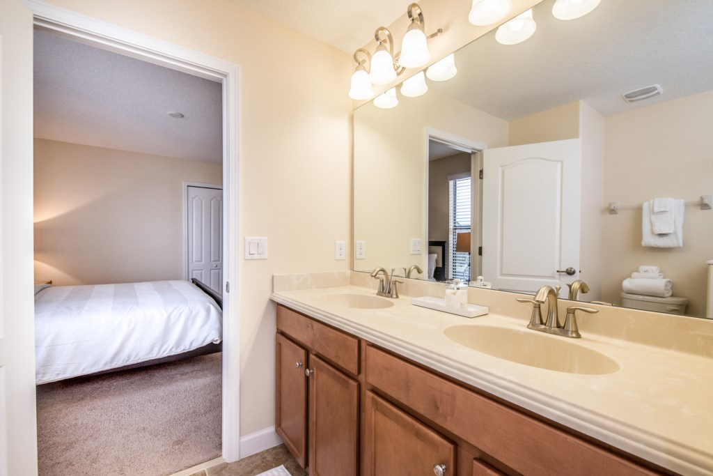 Amazing 8 bed 5 bath Champions Gate home.-130468