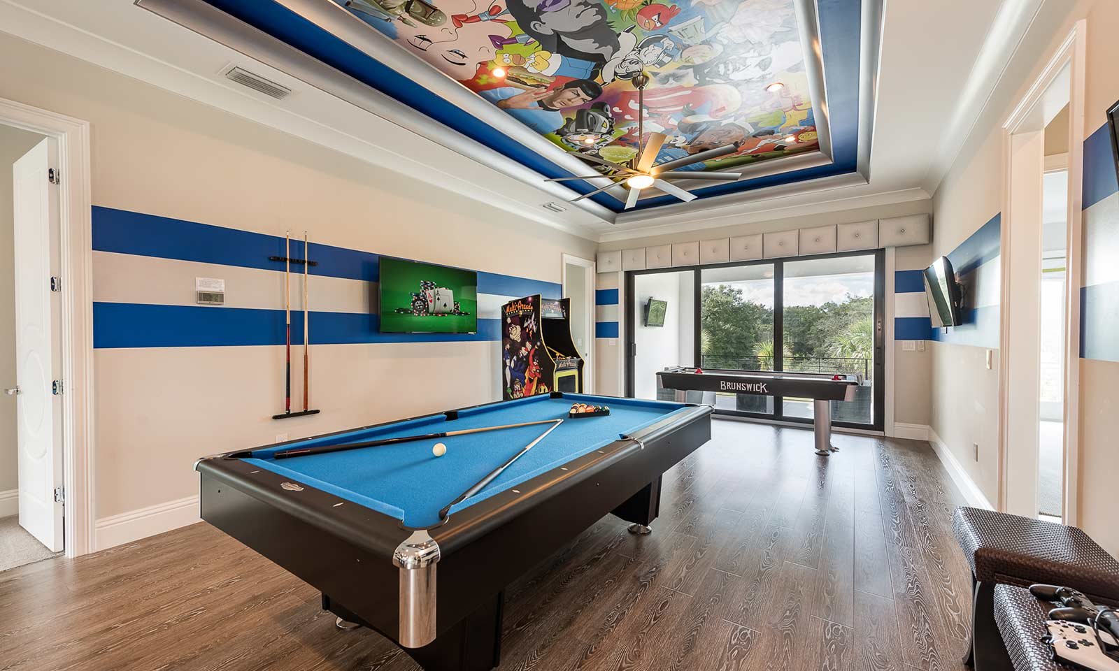The Luxe Gaming Lair-181796