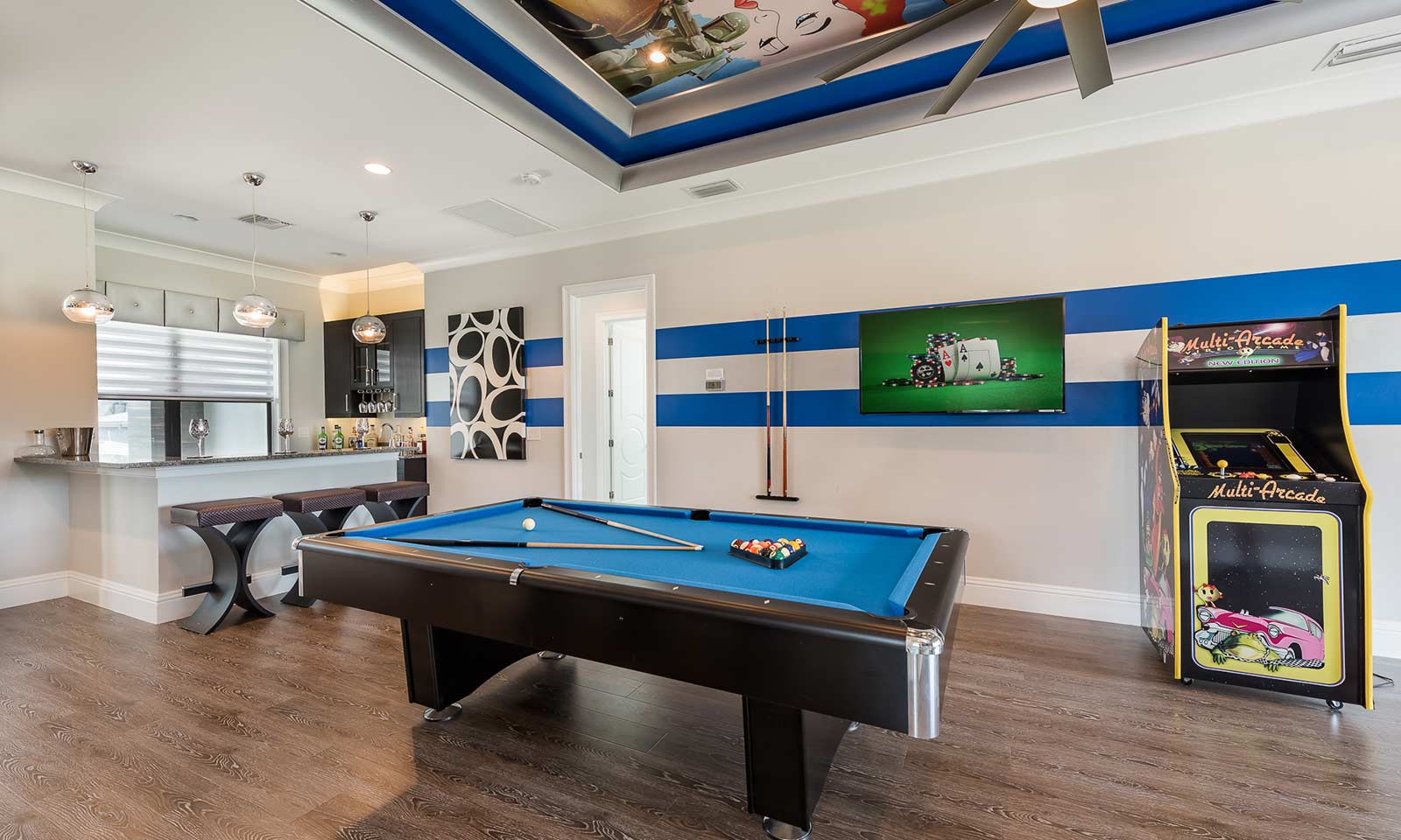 The Luxe Gaming Lair-181797