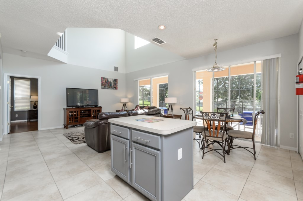 South West Facing Pool Home-149841