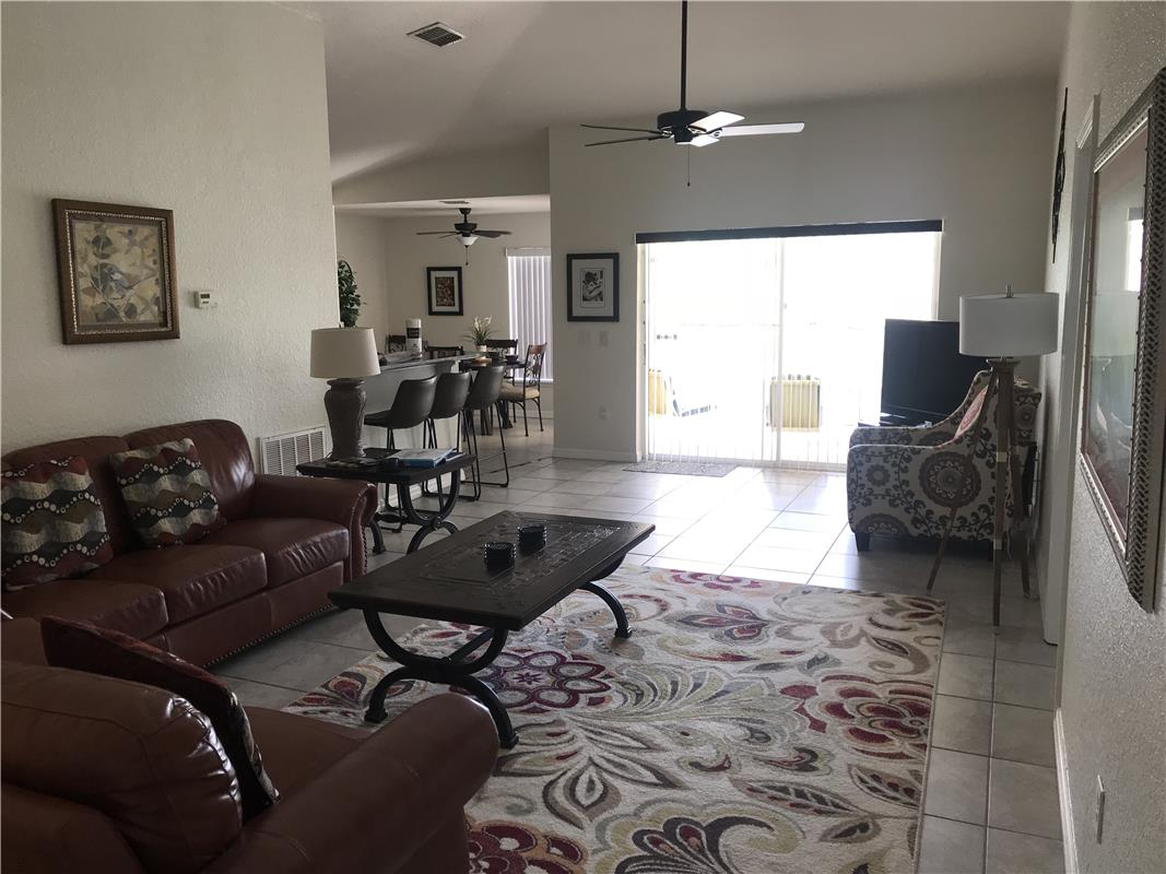 Reserve Town Center/BR6031-149954
