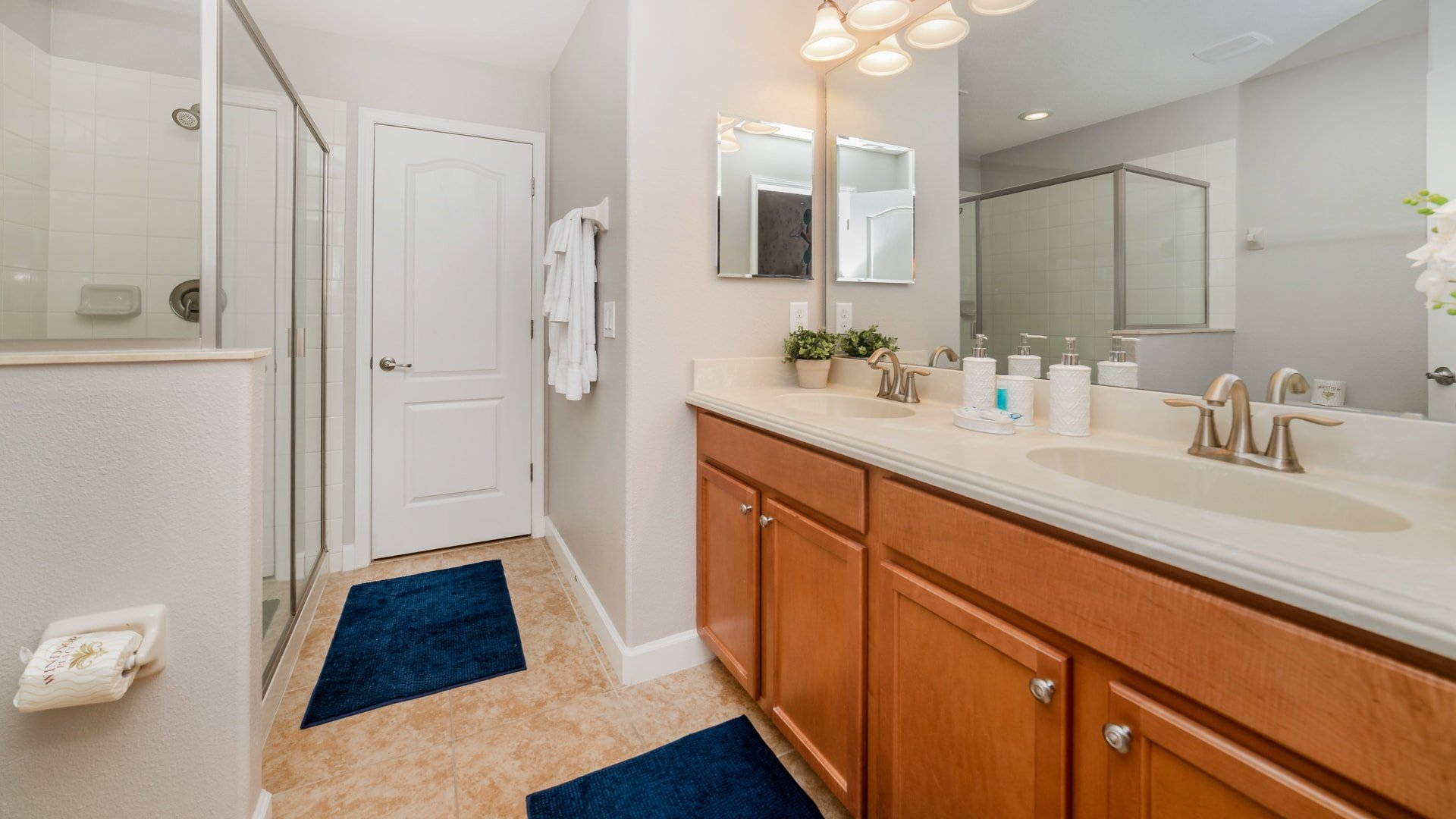 1492 Moon Valley Drive-209856