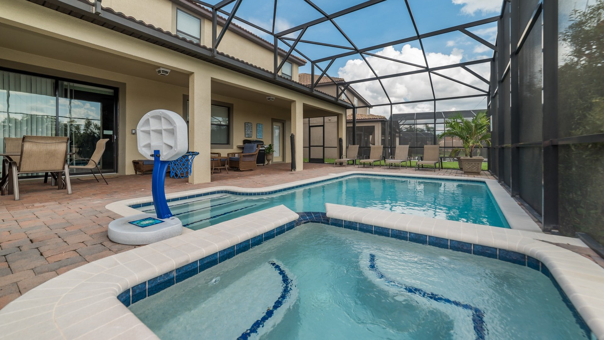 1494 Moon Valley Drive-209872