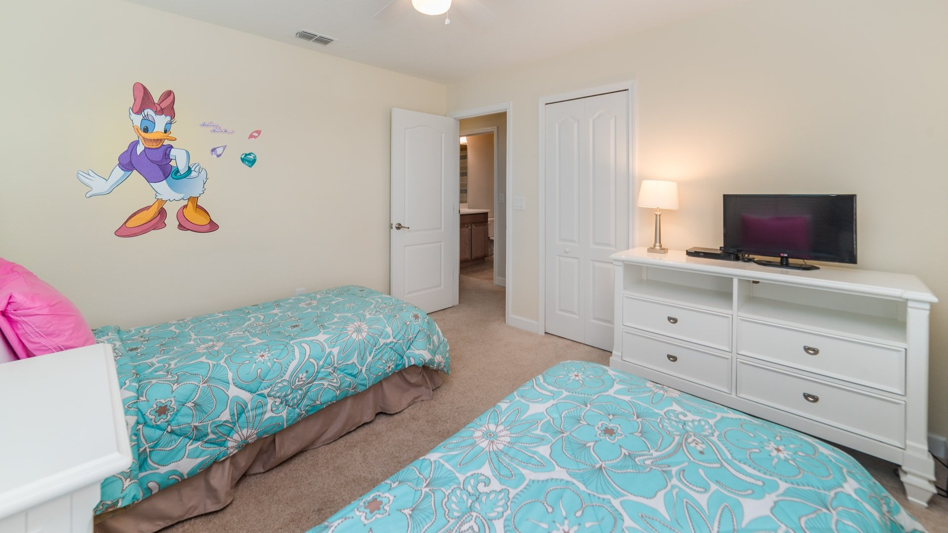 1494 Moon Valley Drive-209890