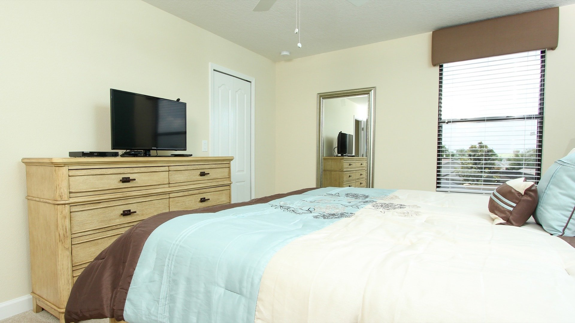 1494 Moon Valley Drive-209882