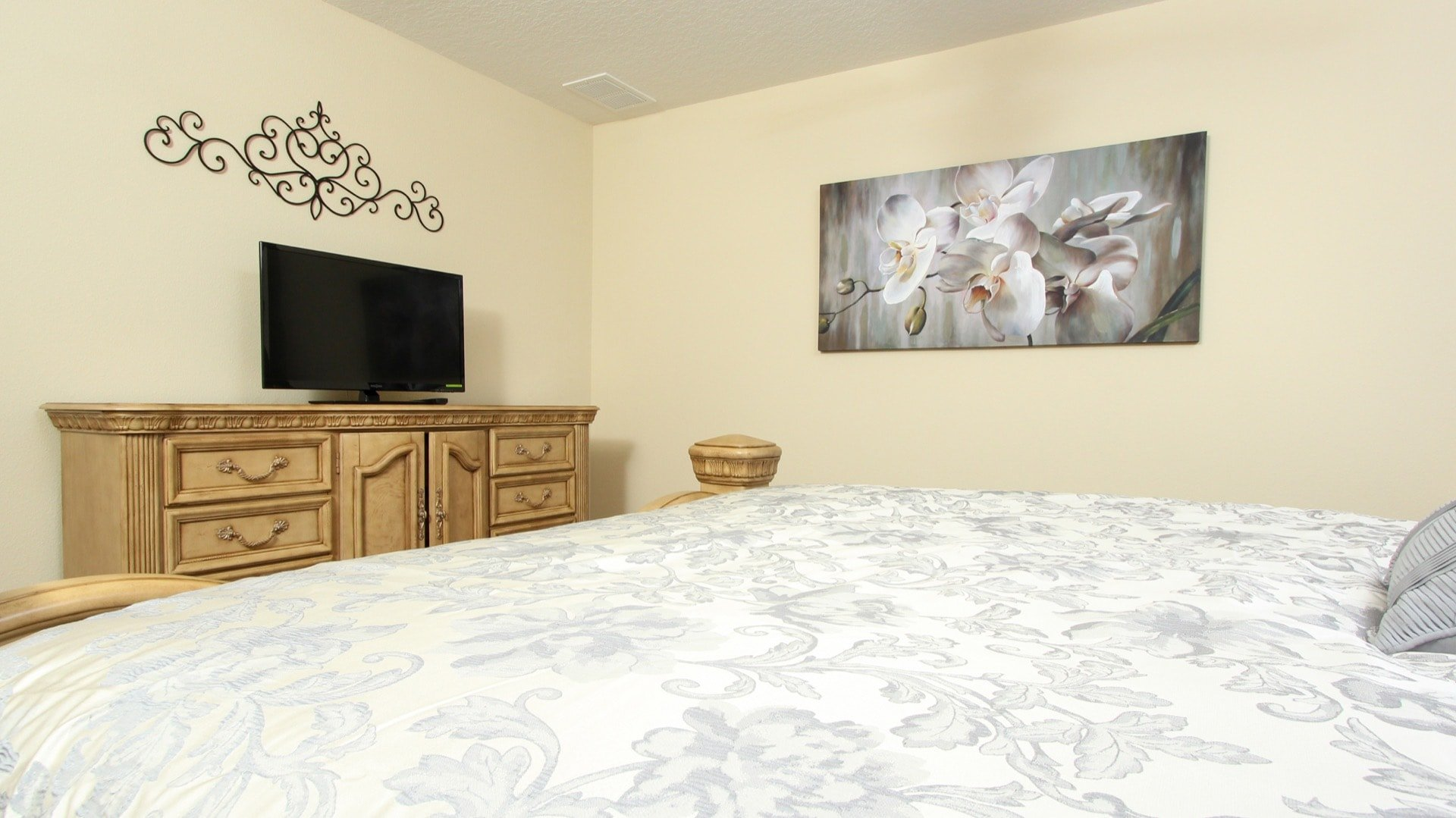 1496 Moon Valley Drive-209926