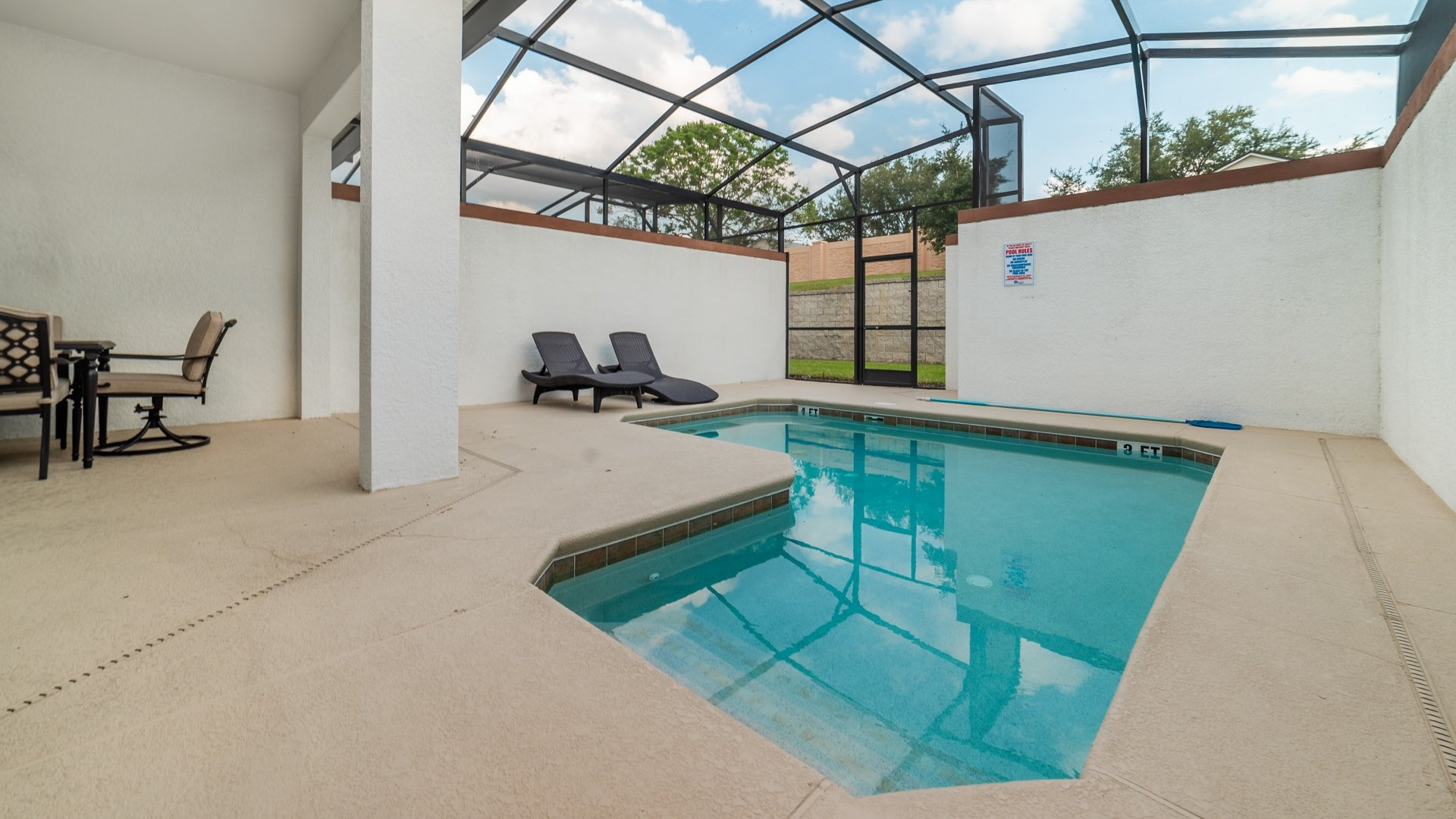 1562 Moon Valley Drive-210019