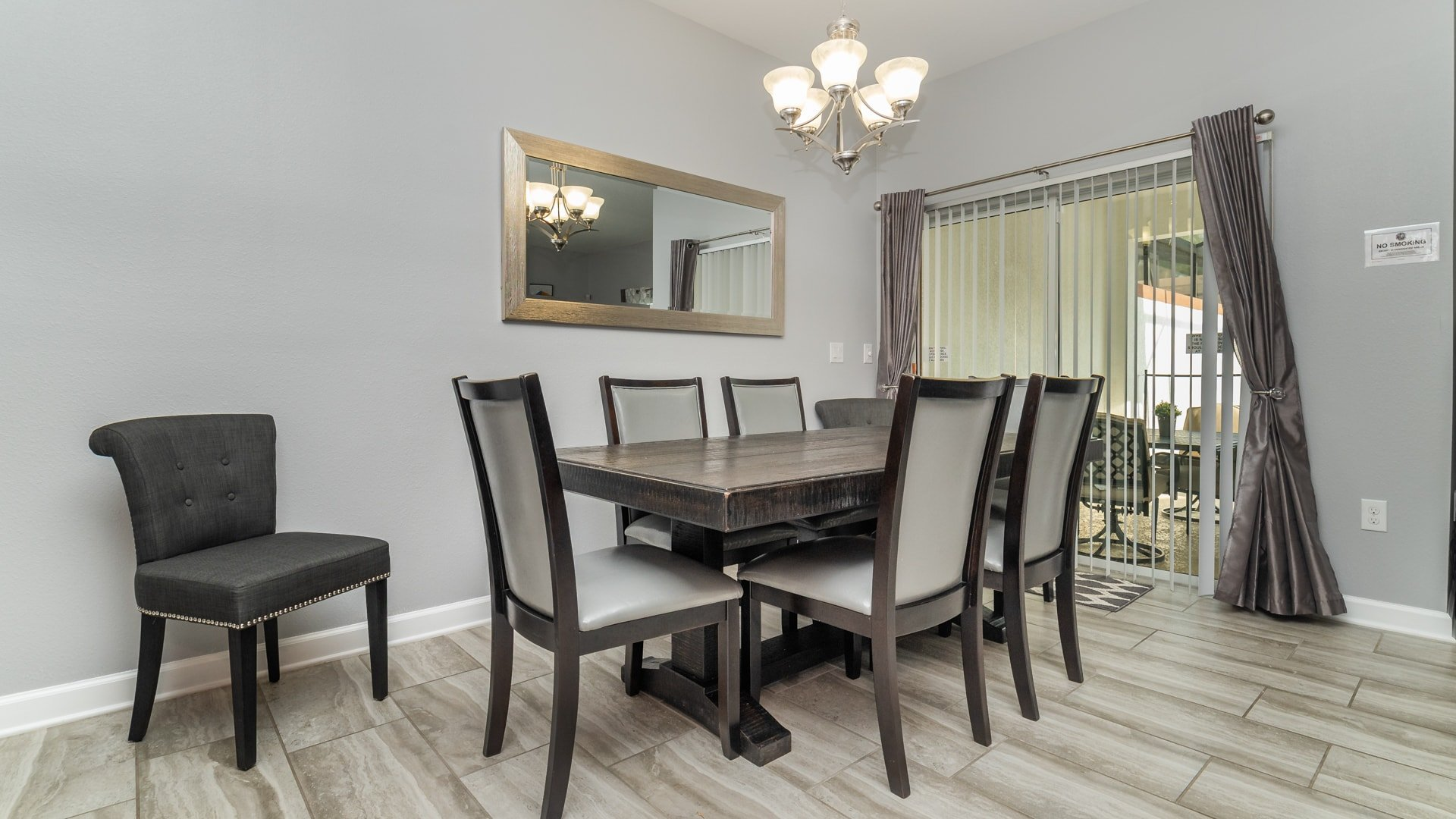 1562 Moon Valley Drive-210004