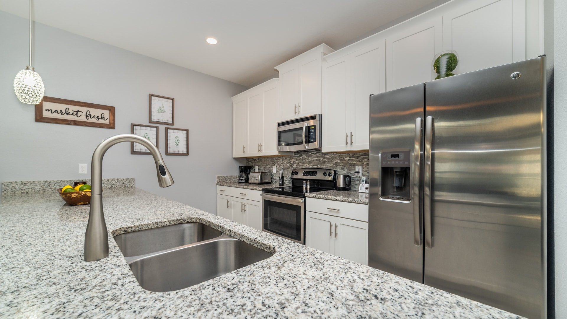1562 Moon Valley Drive-210002