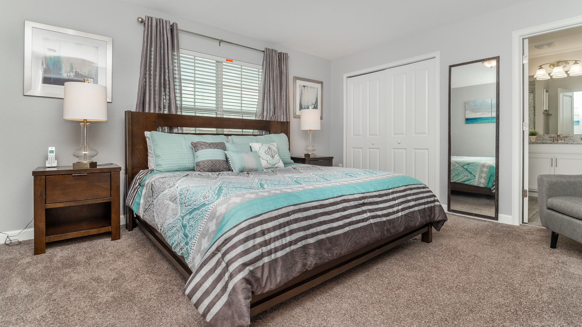 1562 Moon Valley Drive-210006