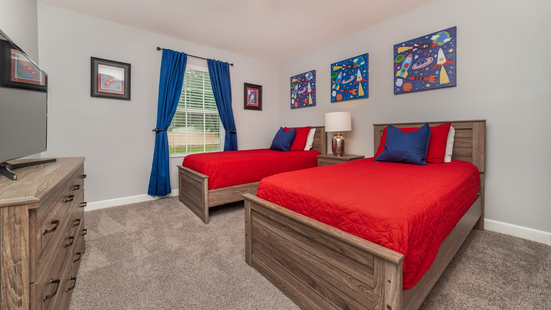 1562 Moon Valley Drive-210013