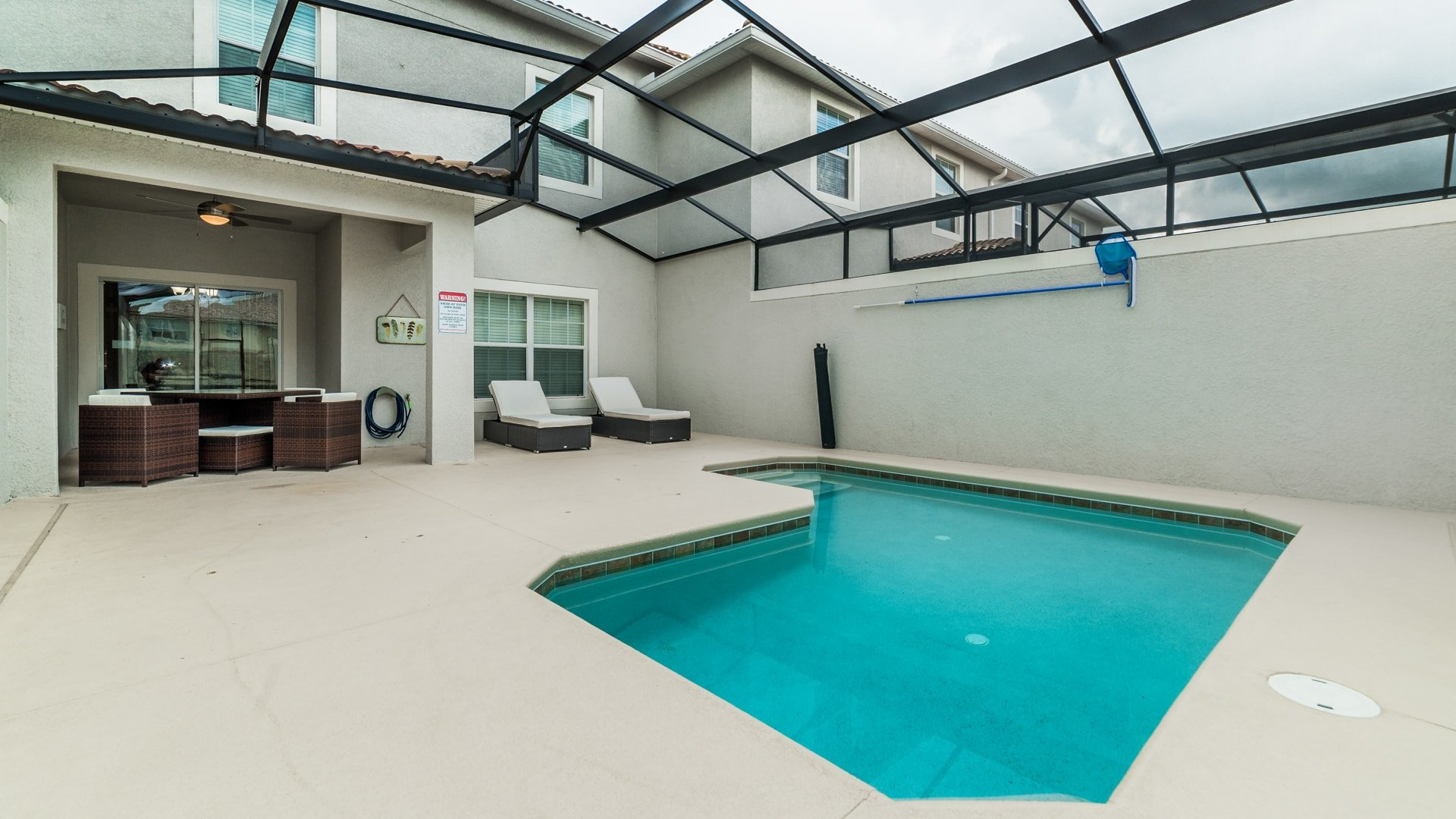 1595 Moon Valley Drive-210047