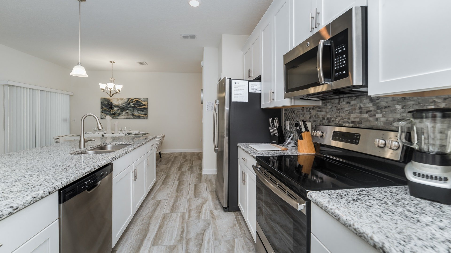 1595 Moon Valley Drive-210034