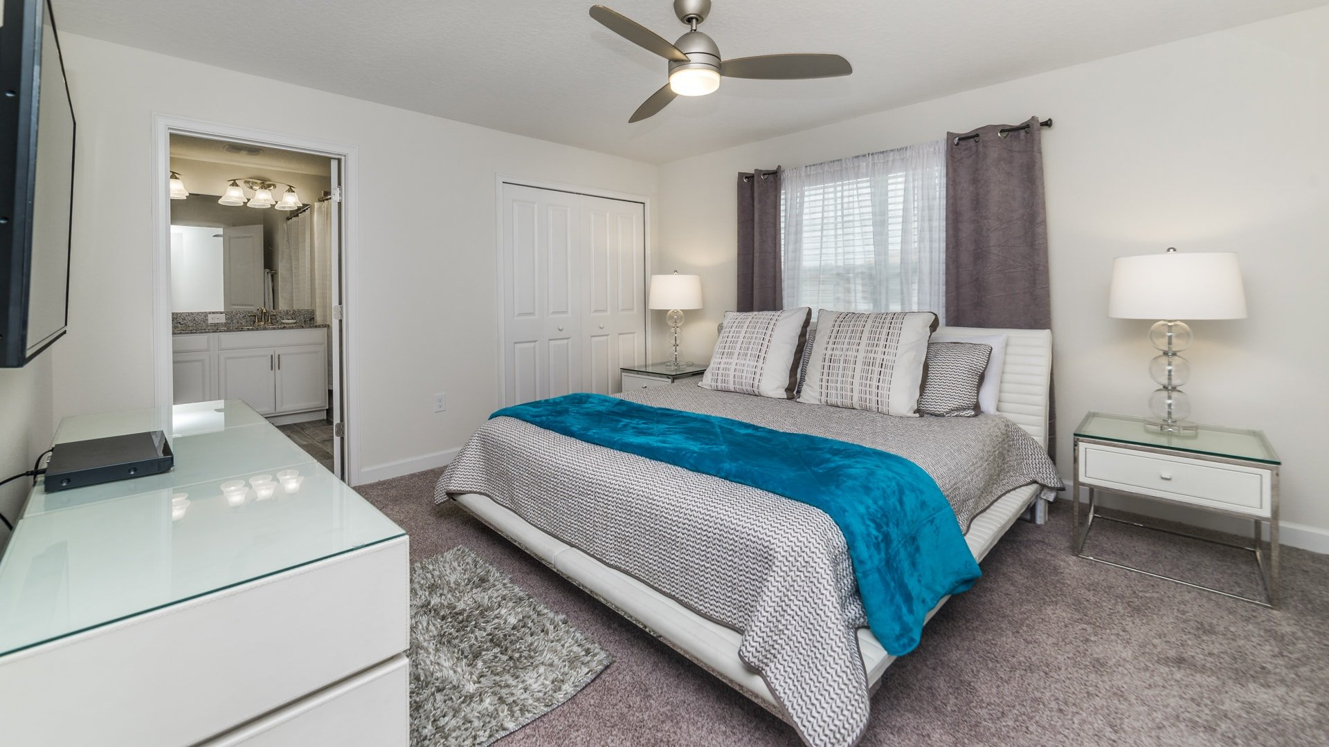 1595 Moon Valley Drive-210038