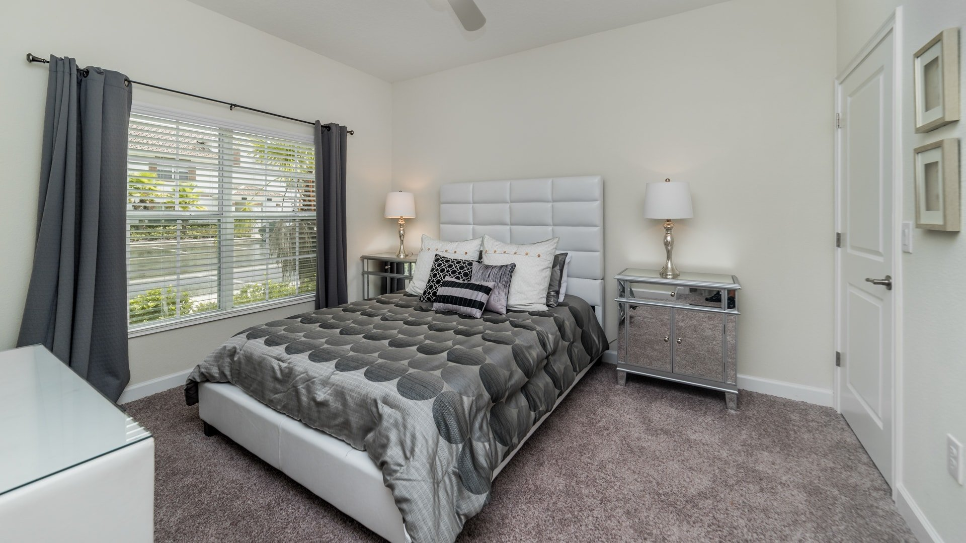 1595 Moon Valley Drive-210040