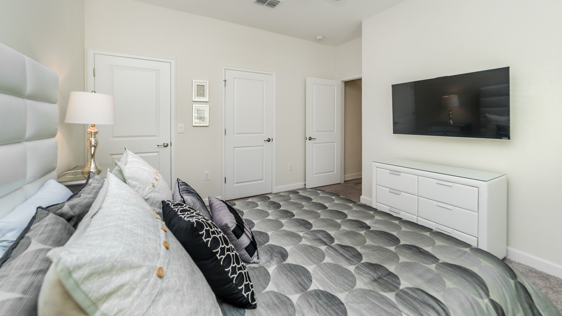 1595 Moon Valley Drive-210041
