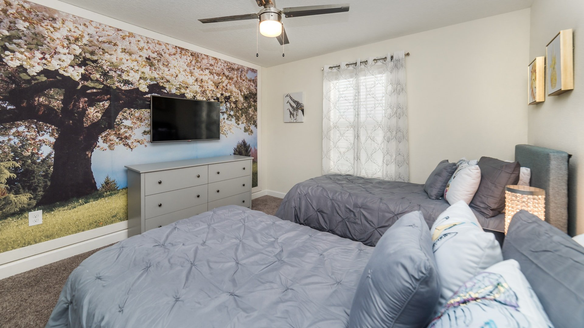 1595 Moon Valley Drive-210043