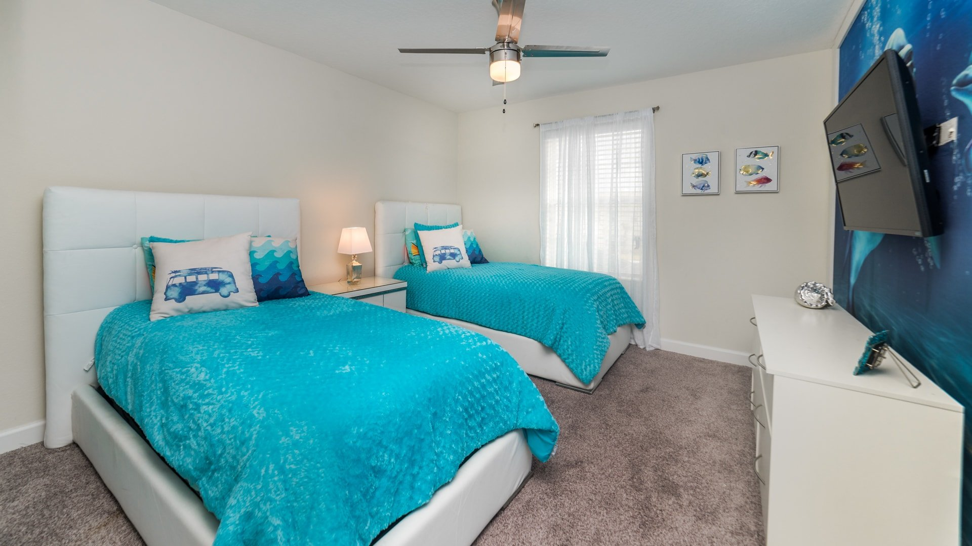 1595 Moon Valley Drive-210045