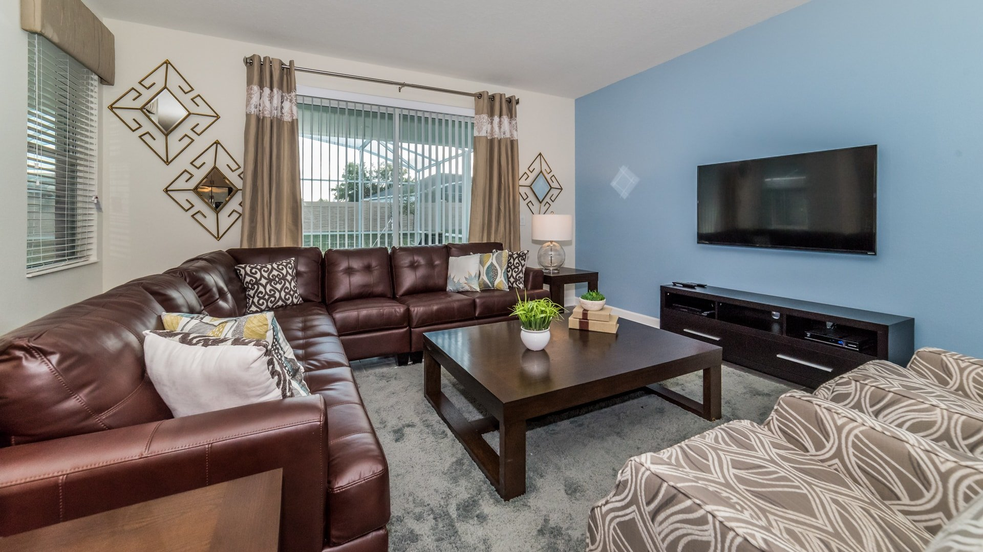 1638 Moon Valley Drive-210064