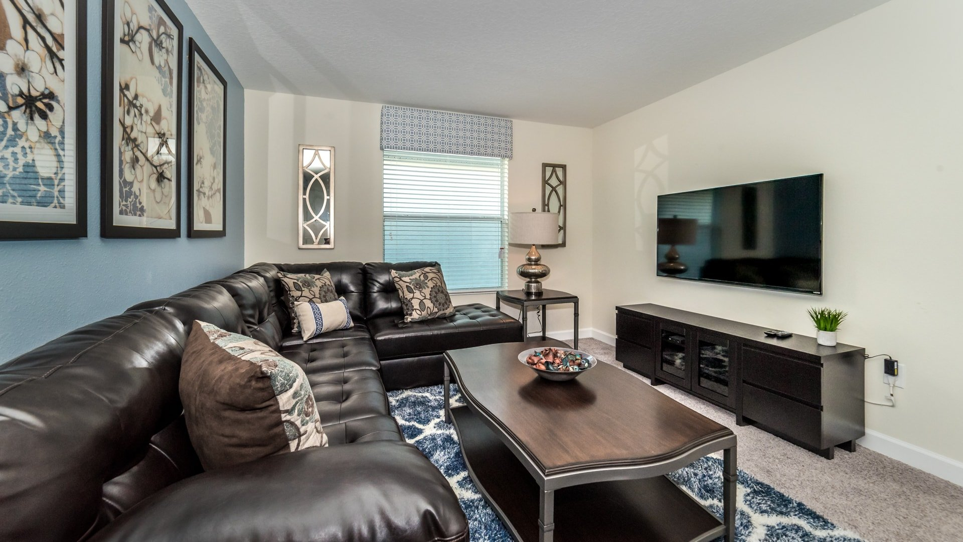 1638 Moon Valley Drive-210066