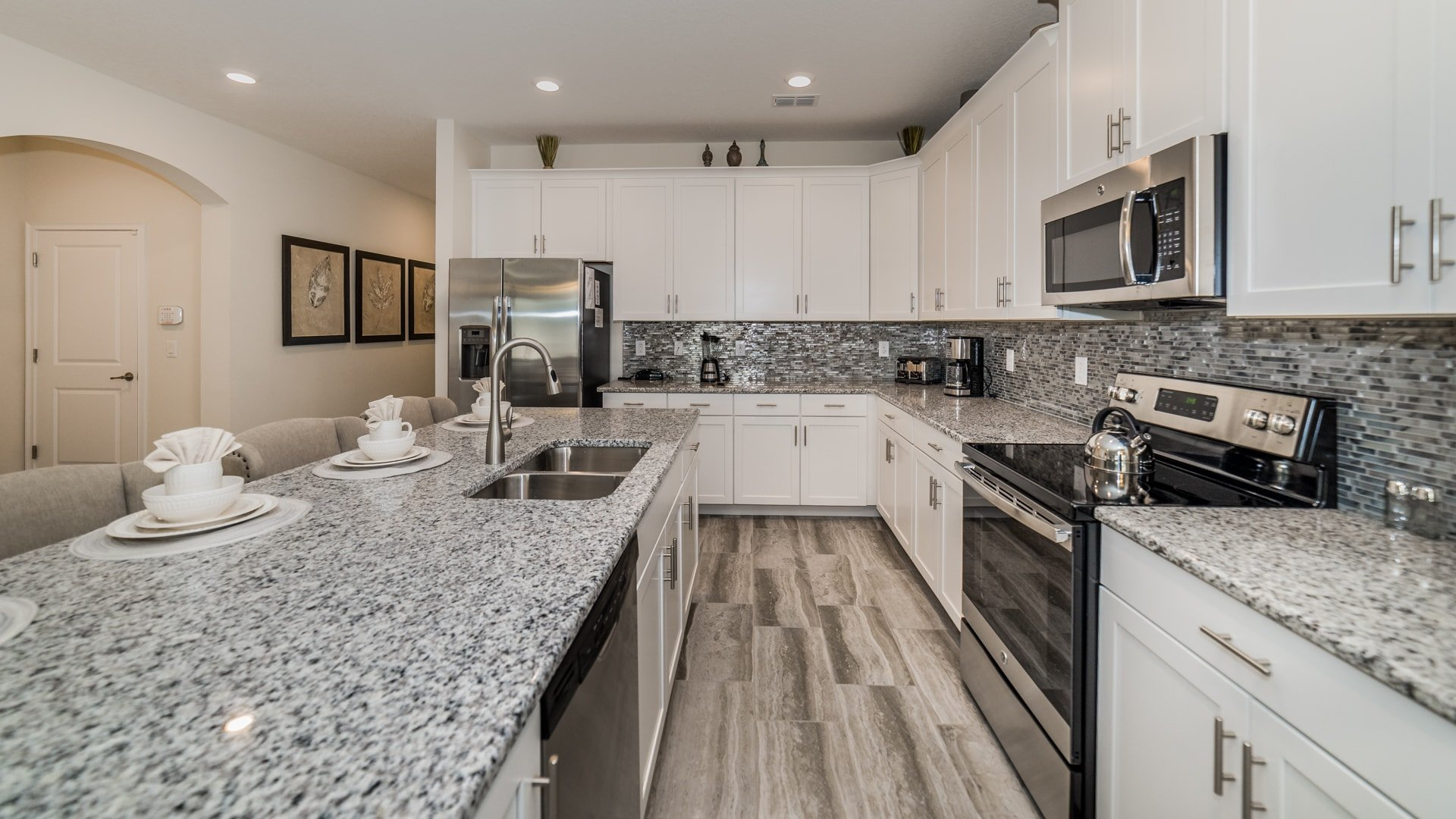 1638 Moon Valley Drive-210069