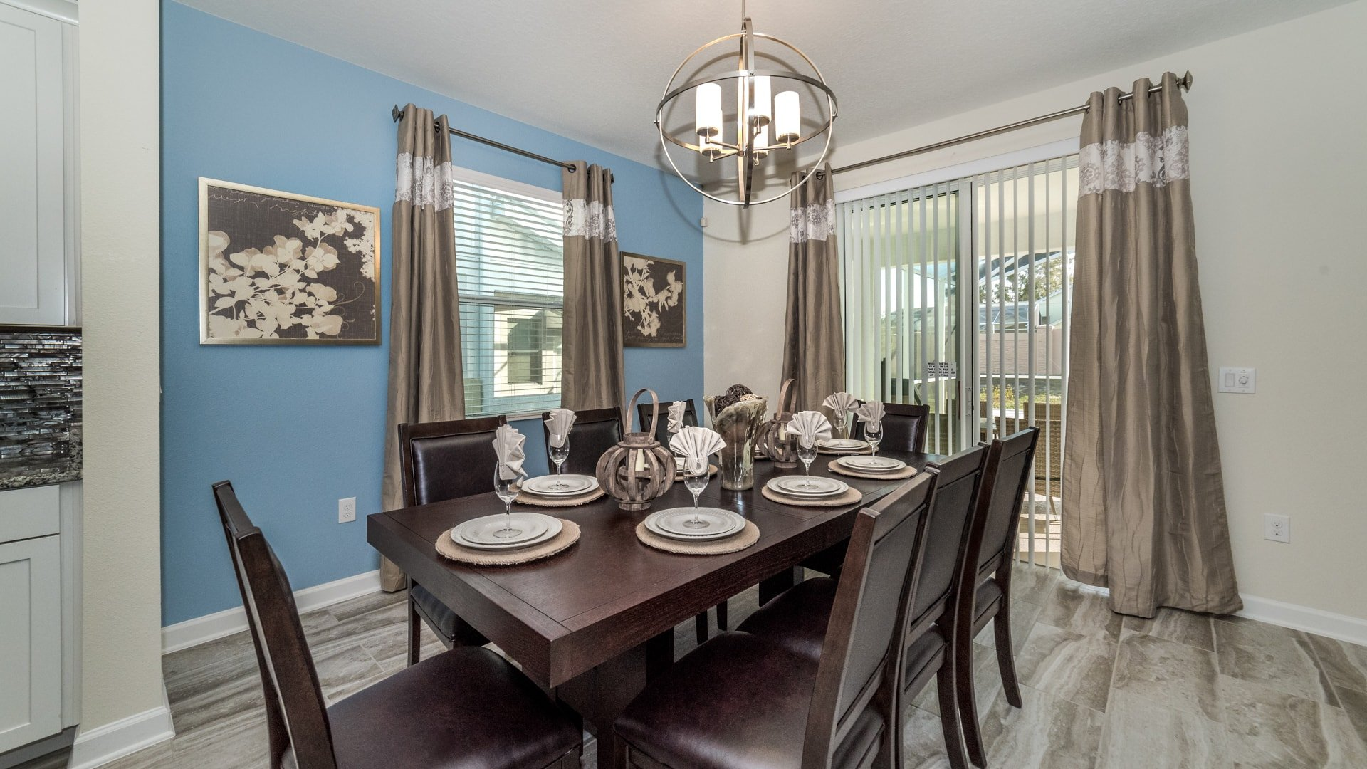 1638 Moon Valley Drive-210070