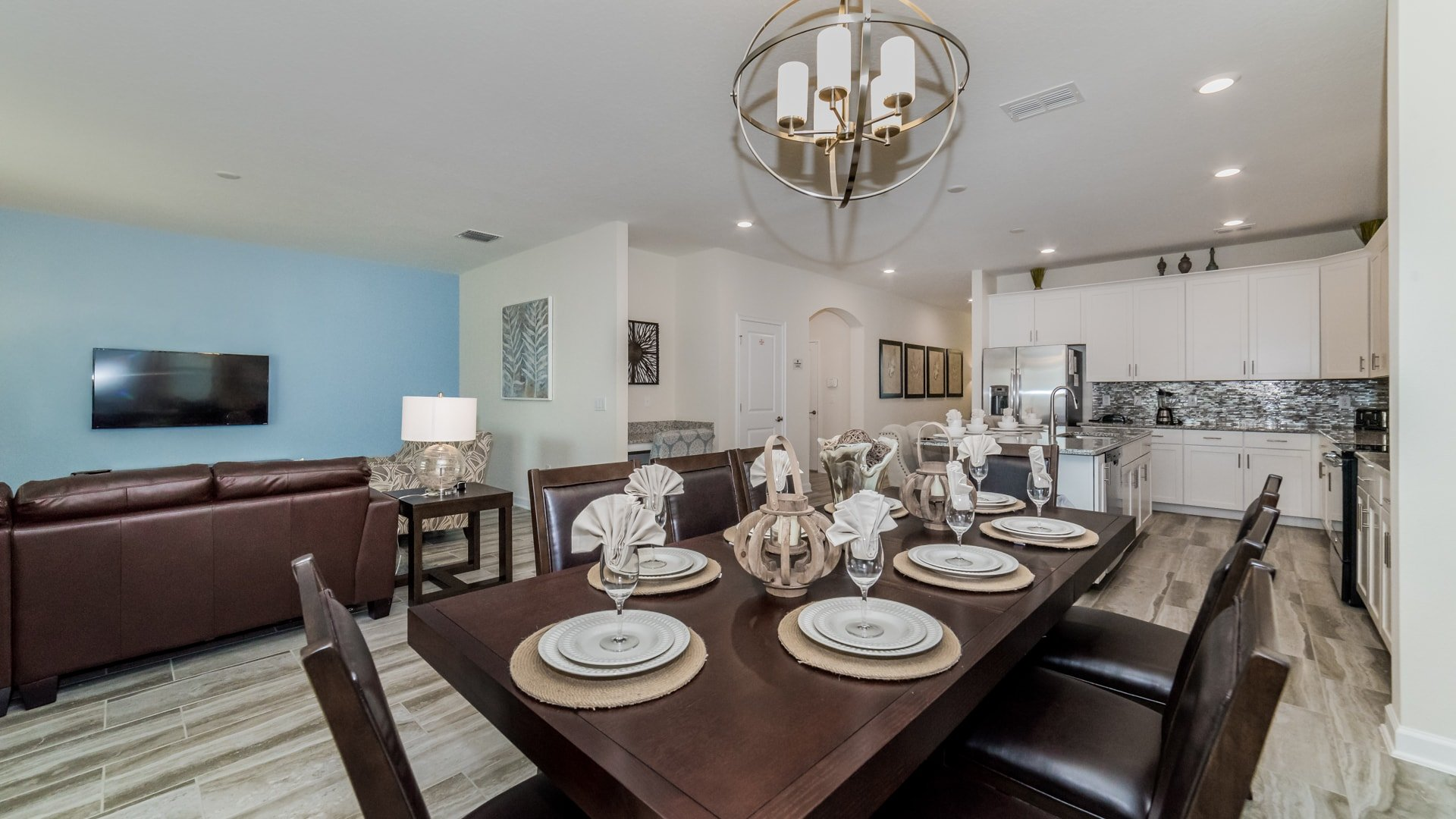 1638 Moon Valley Drive-210071