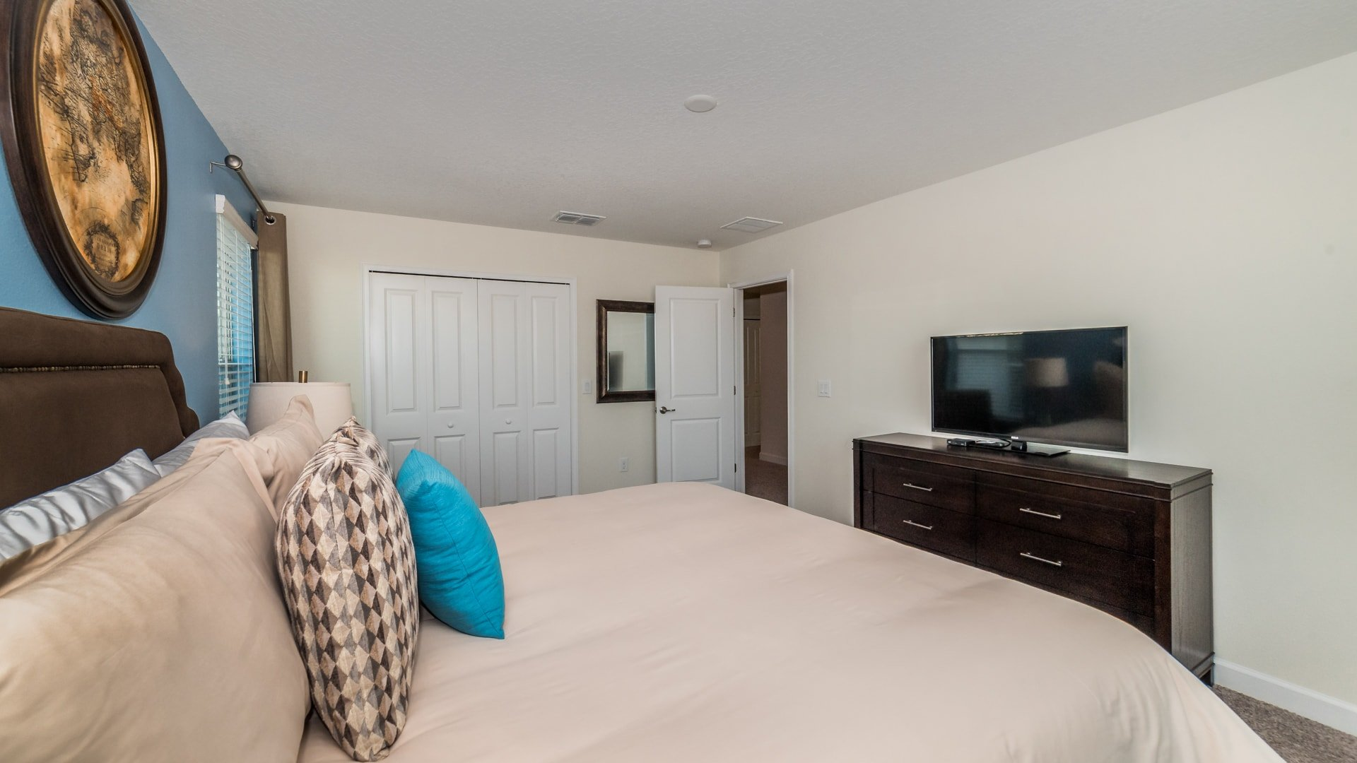 1638 Moon Valley Drive-210073