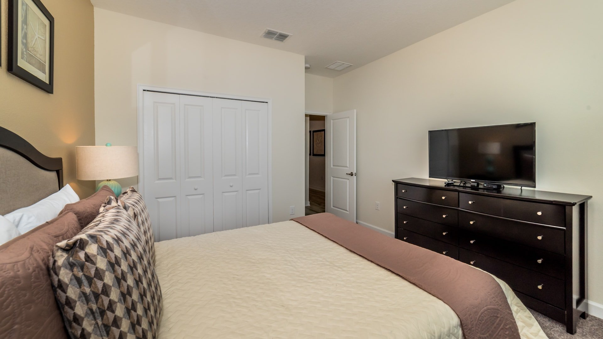 1638 Moon Valley Drive-210085