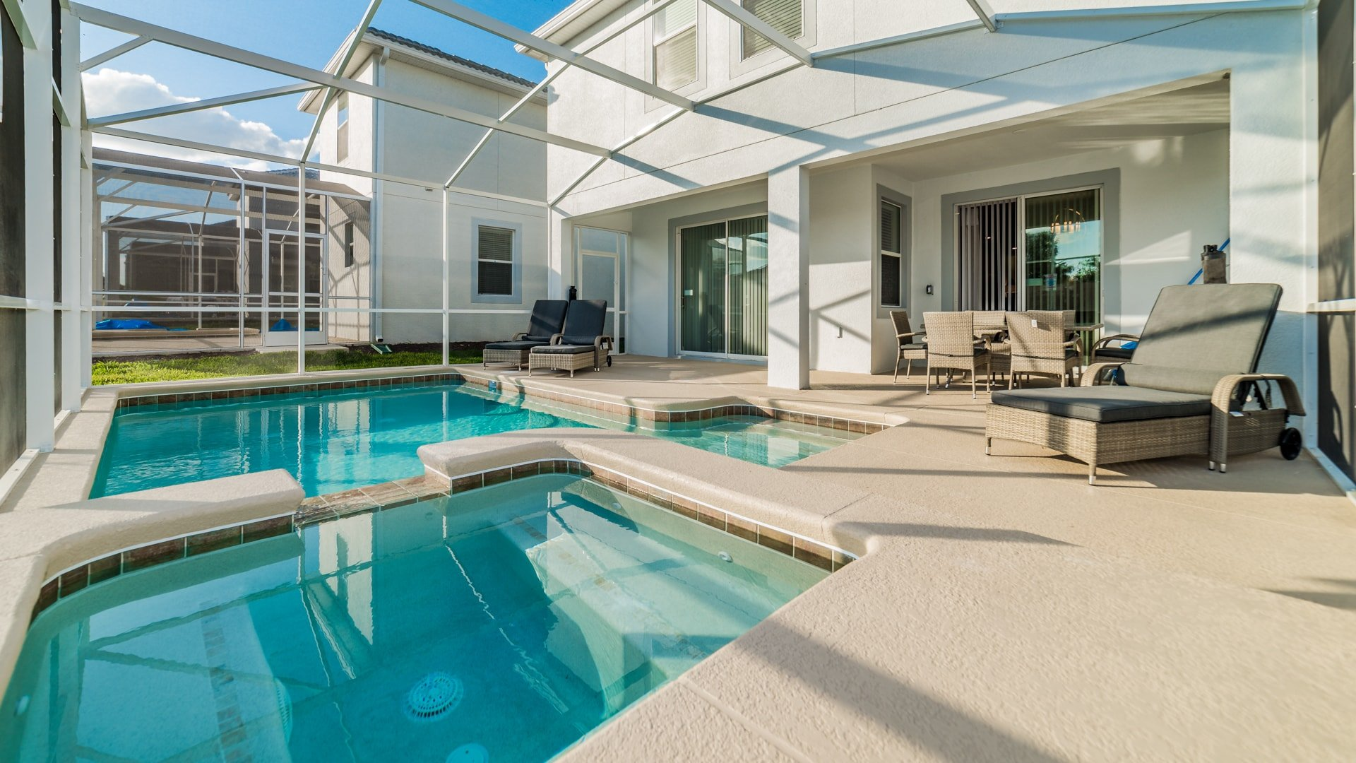 1638 Moon Valley Drive-210086