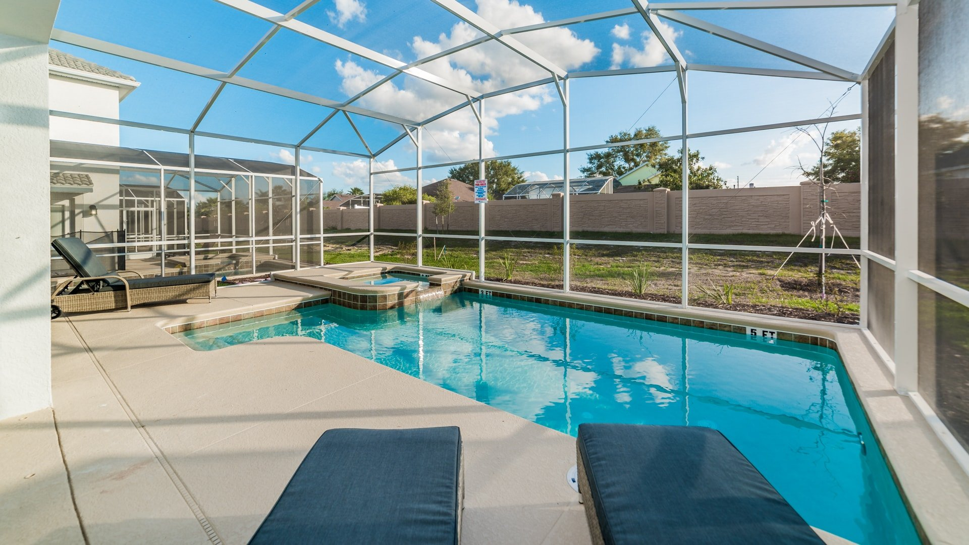 1638 Moon Valley Drive-210087