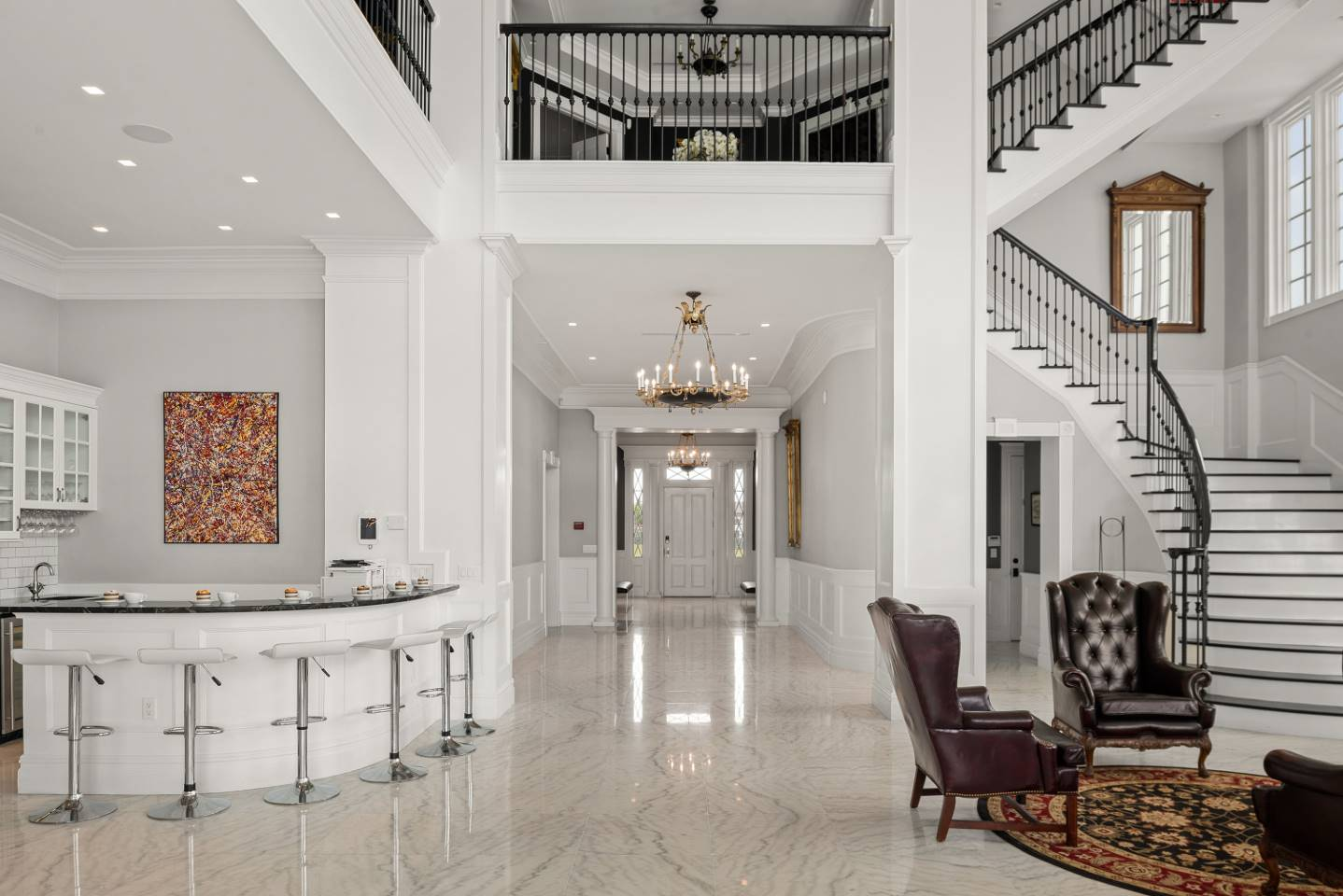 The Eclectic Colonial Estate-213667
